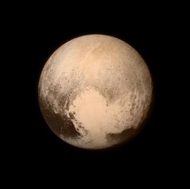 Image fron New Horizons probe. Pluto apparently has a polar ice cap